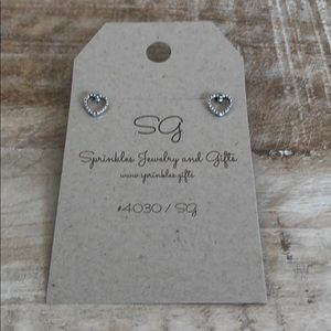 EARRINGS Silver antiqued heart open hearts NEW